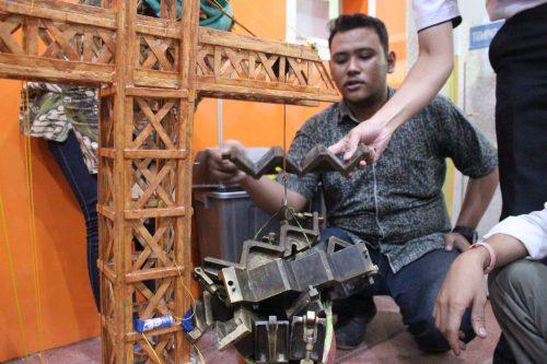 Crane Fluida-Tugas Besar Mekanika Teknik